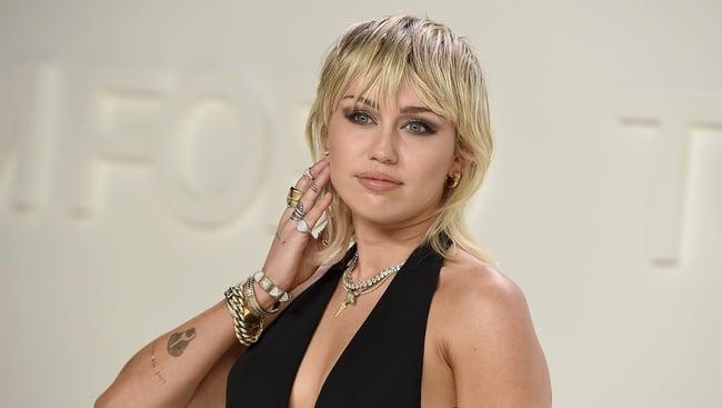 Od škandálov k dobrovoľníctvu: Miley Cyrus bojuje proti pandémii ...