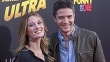 Ashley Hinshaw a Topher Grace