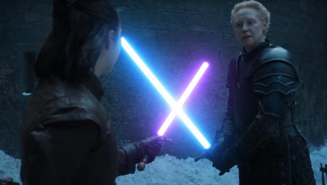 Postavy Arye a Brienne počas súboja d3f4f11ac0b