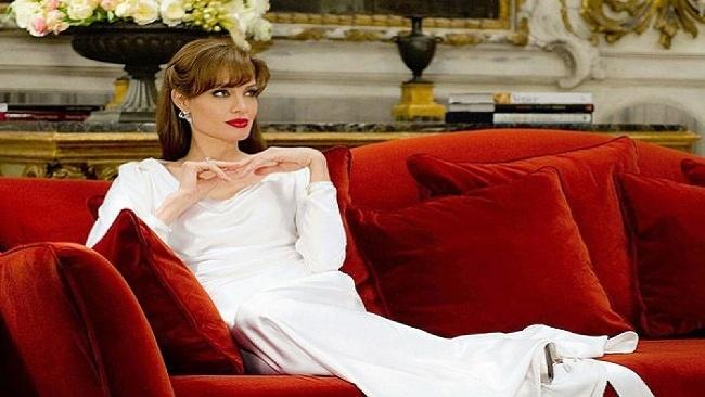 Cudzinec, Angelina Jolie