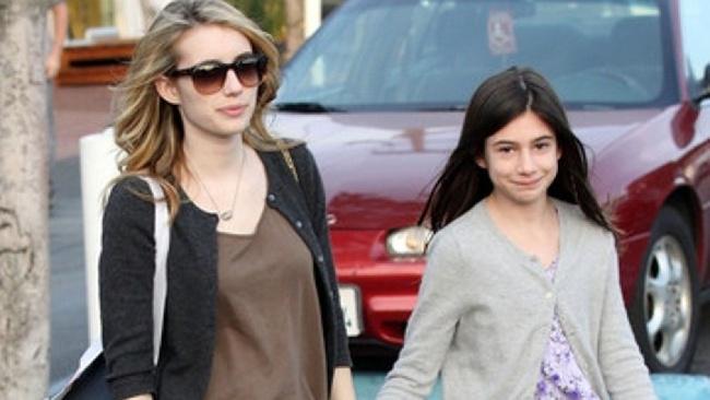Emma so sestrou Grace