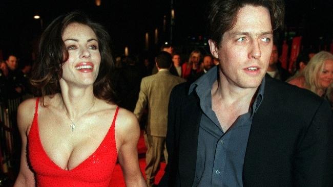 Britská herečka Elisabeth Hurleyová a Hugh Grant