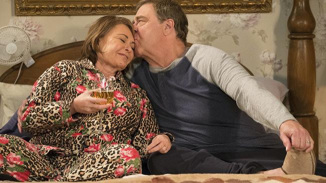 Roseanne Barr a John Goodman v seriáli Roseanne