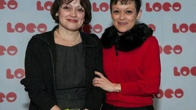 Lisa Burns, Louise Burns