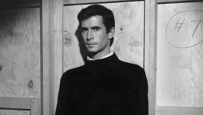 Norman Bates (Anthony Perkins) vo filme Psycho