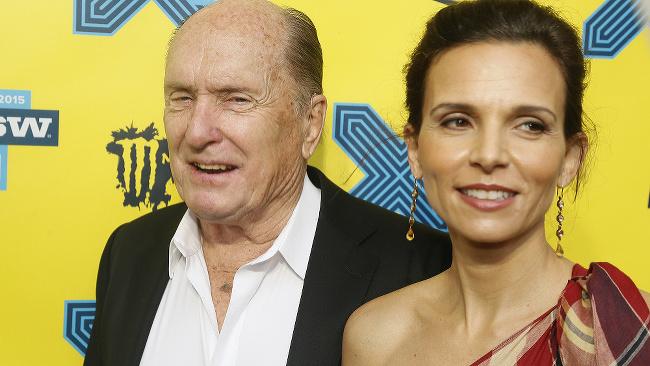 Robert Duvall a manželka