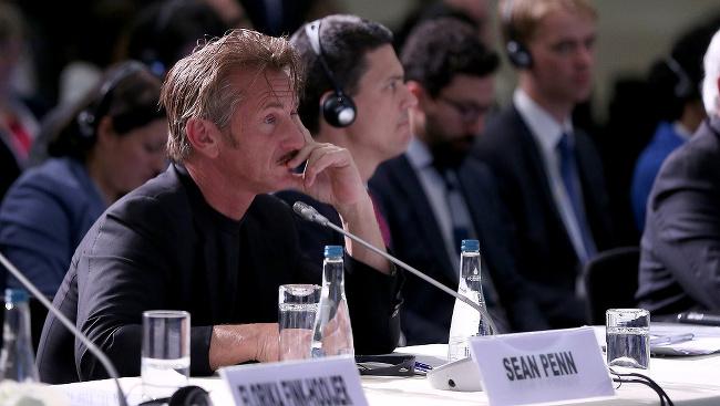 Sean Penn na zasadnutí